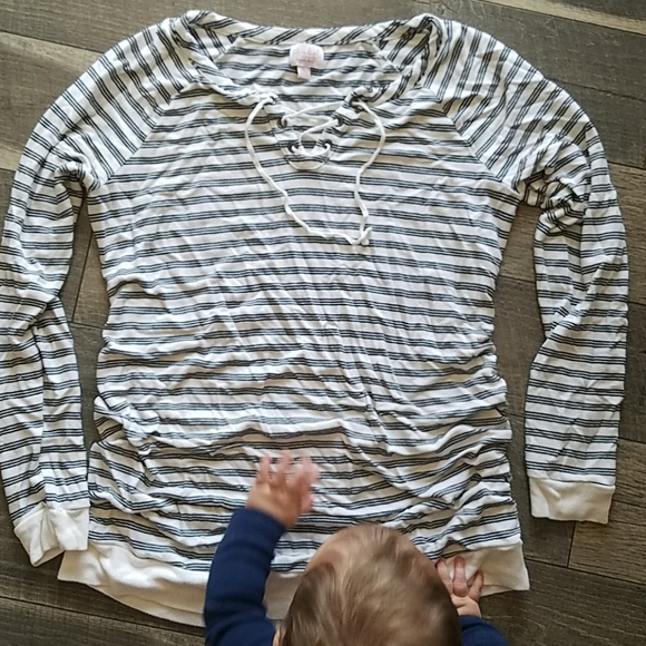 Isabel Maternity by Ingrid & Isabel Tops - Maternity long sleeve